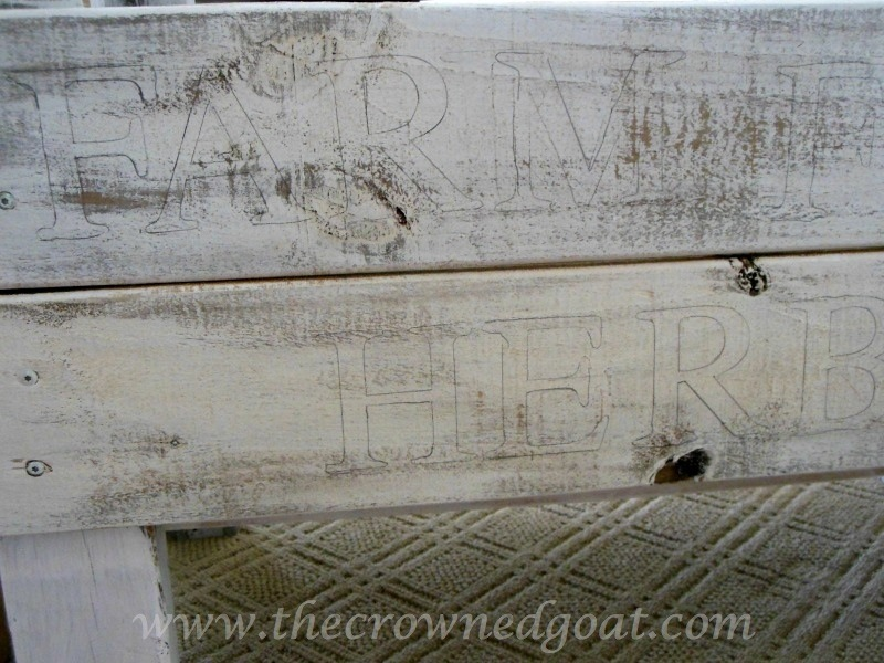 082014-5 Handmade Wooden Herb Bed Painted Furniture