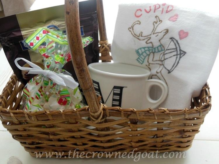 121714-6-Reindeer-Flour-Sack-Towel-Gift-Bakset Reindeer Flour Sack Towels Crafts Holidays