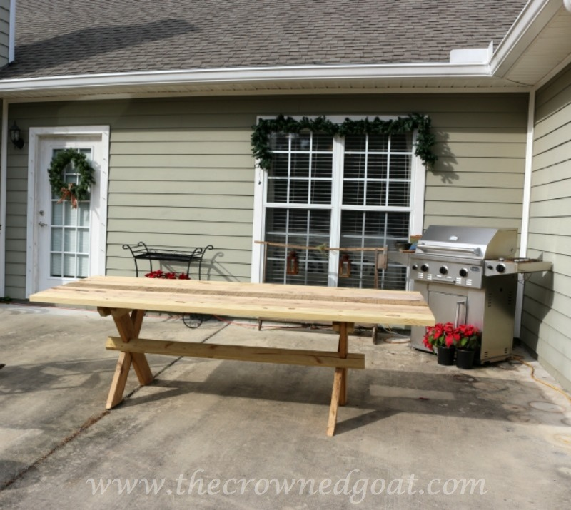 010515-31 Building a Farmhouse Style Table Painted Furniture