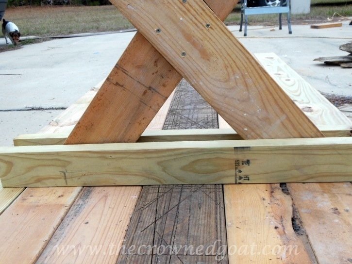 010615-4 Building a Farmhouse Style Table Painted Furniture