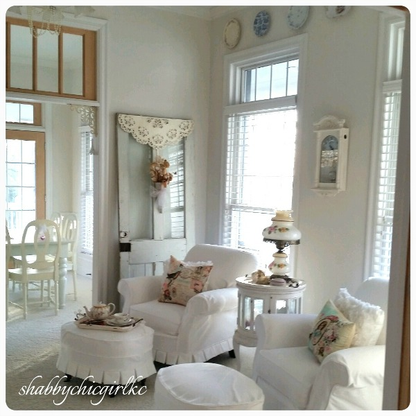 021315-31 Romantic Living with Kimberly Clair Decorating