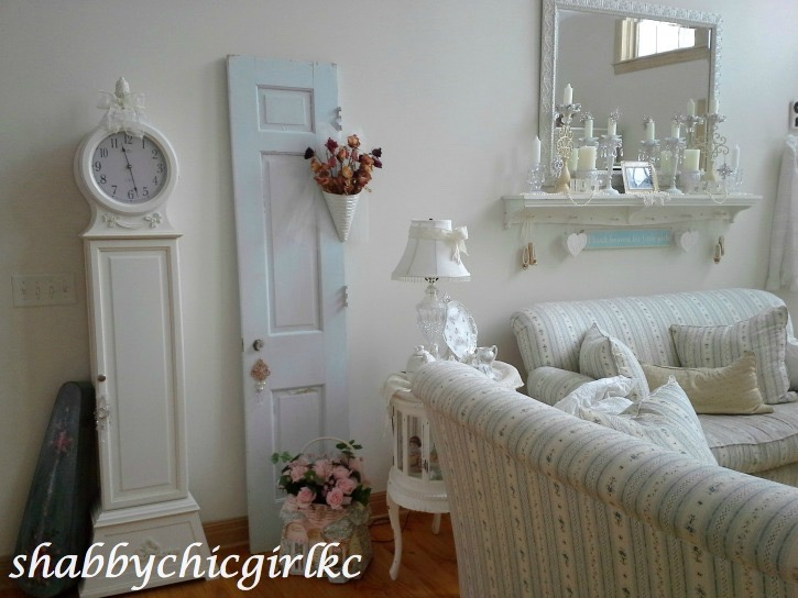 021414-23 Romantic Living with Kimberly Clair Decorating