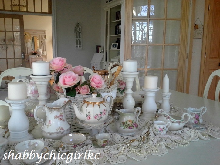021414-43 Romantic Living with Kimberly Clair Decorating