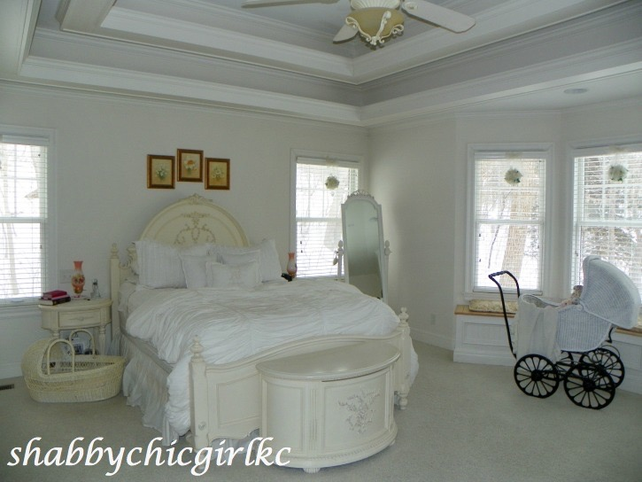 021414-93 Romantic Living with Kimberly Clair Decorating