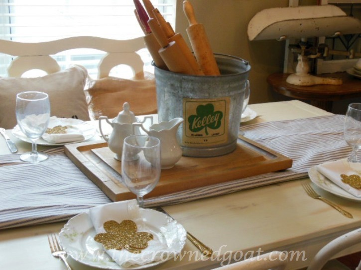 03072014-12 St. Patrick's Day Inspired Tablescape  Decorating Holidays