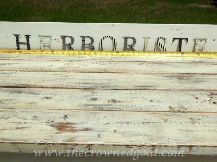 041015-12 Herboriste Potting Station Painted Furniture