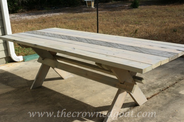 010615-14-Farmhouse-Style-Outdoor-Table Farmhouse Style Table Makeover DIY Painted Furniture