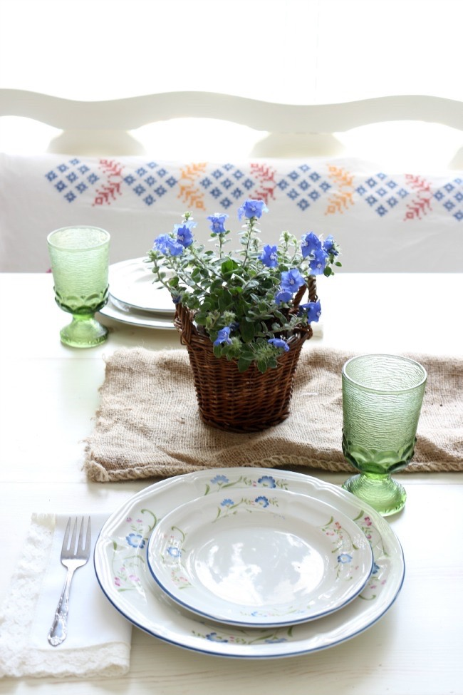 Summer-Tablescape-Using-Potted-Plants-The-Crowned-Goat-052715-5 Easy Summer Tablescape Decorating