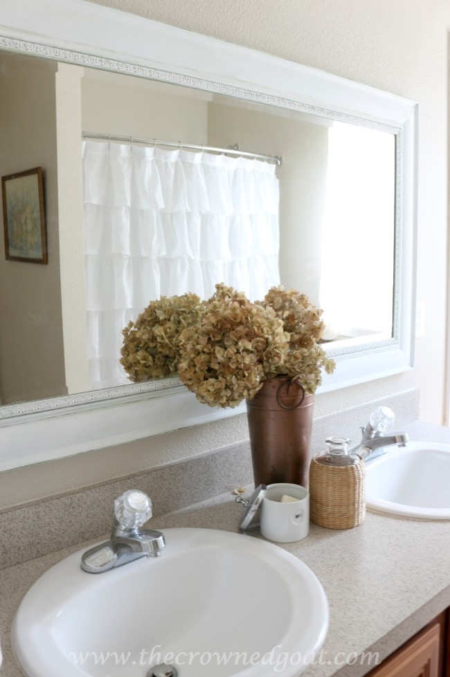 Simple Bathroom Styling - The Crowned Goat - 062415-6