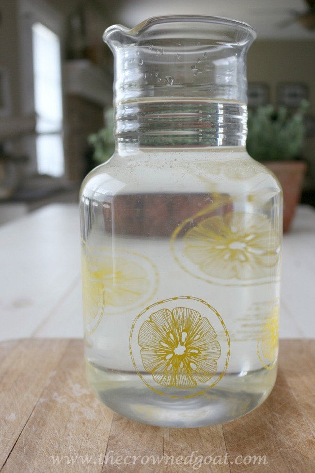 Sweet Peppermint Sun Tea Recipe - The Crowned Goat -071015-1