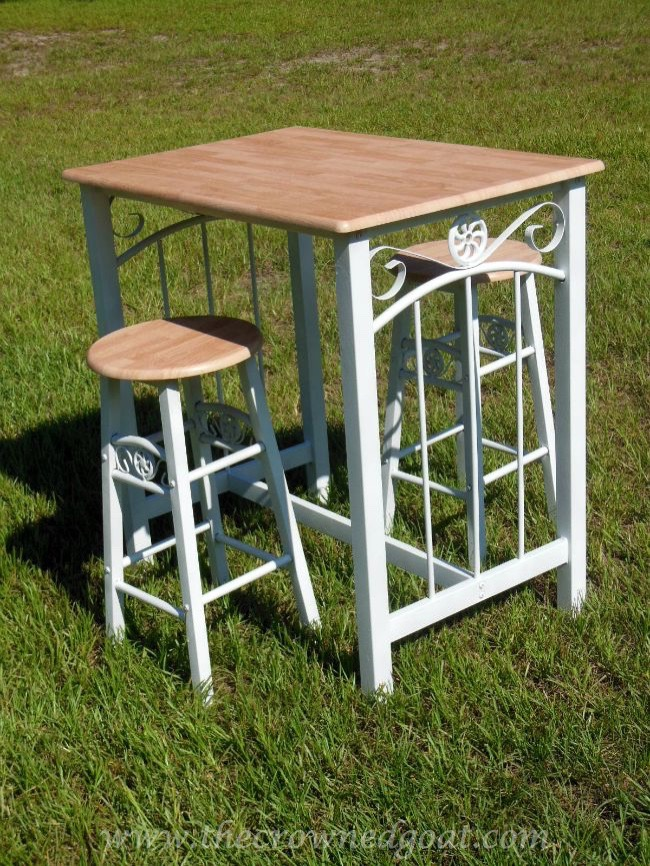 Rust-oleum Painted Bar Stools and Table 082714-5