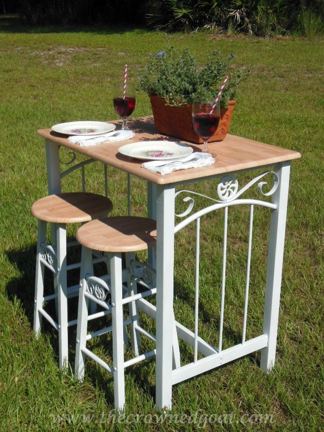 Rust-oleum Painted Bar Stools and Table 082714-7