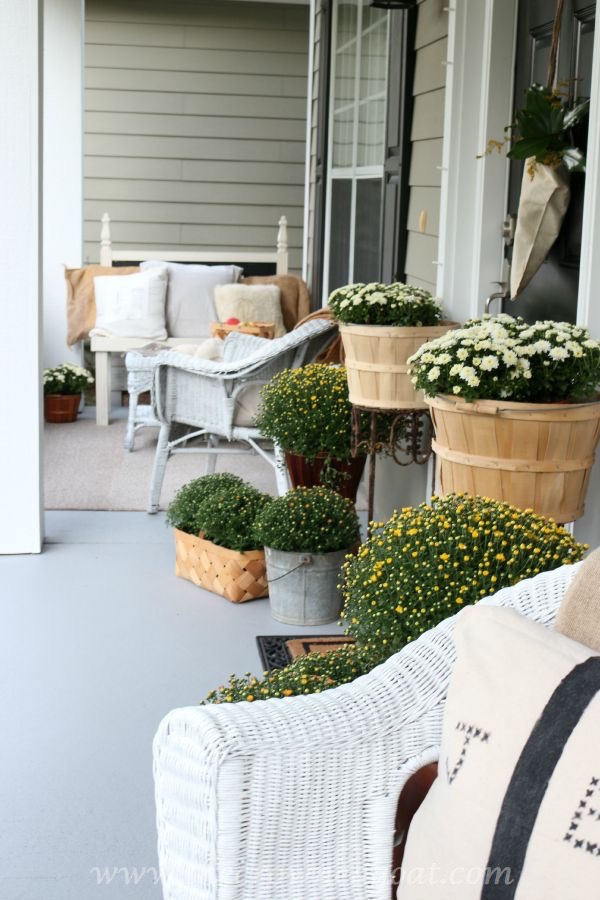 2015-Fall-Porch-Tour-092415-10 Fall Inspired Front Porch Tour Decorating Fall Holidays