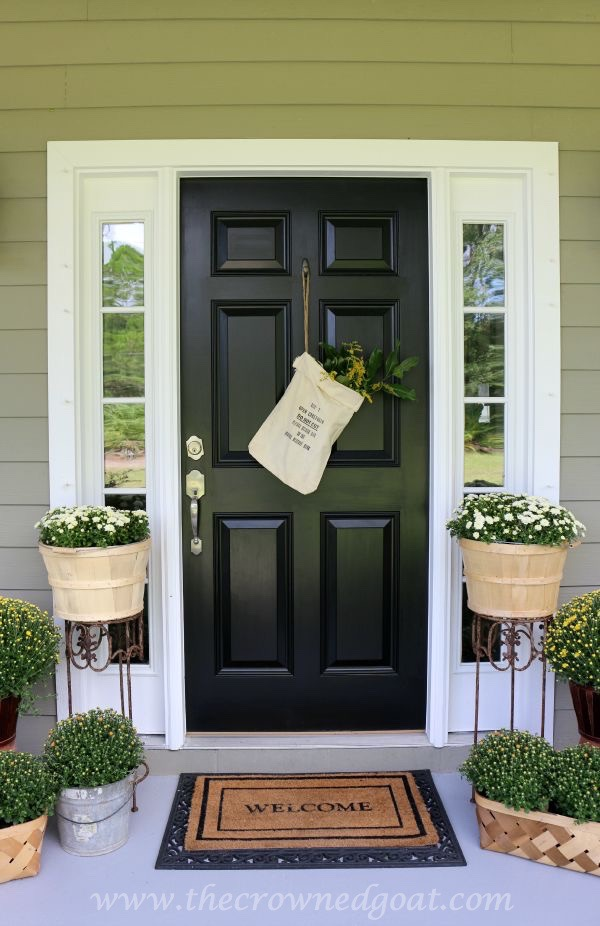 2015-Fall-Porch-Tour-100815-2 Autumn Apples Inspired Home Tour Decorating