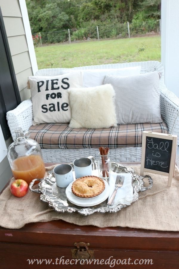 2015-Fall-Porch-Tour-100815-5 Autumn Apples Inspired Home Tour Decorating