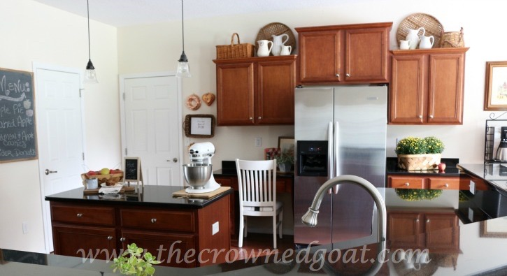 Fall-Inspired-Kitchen-100815-19 Autumn Apples Inspired Home Tour Decorating