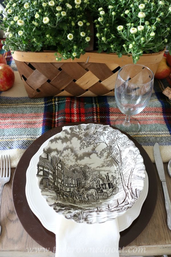 Fall-Inspired-Tablescape-100815-13 Autumn Apples Inspired Home Tour Decorating
