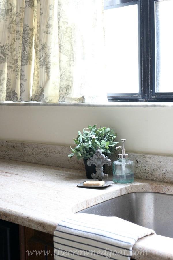 112515-8 Loblolly Manor Kitchen Update Decorating DIY