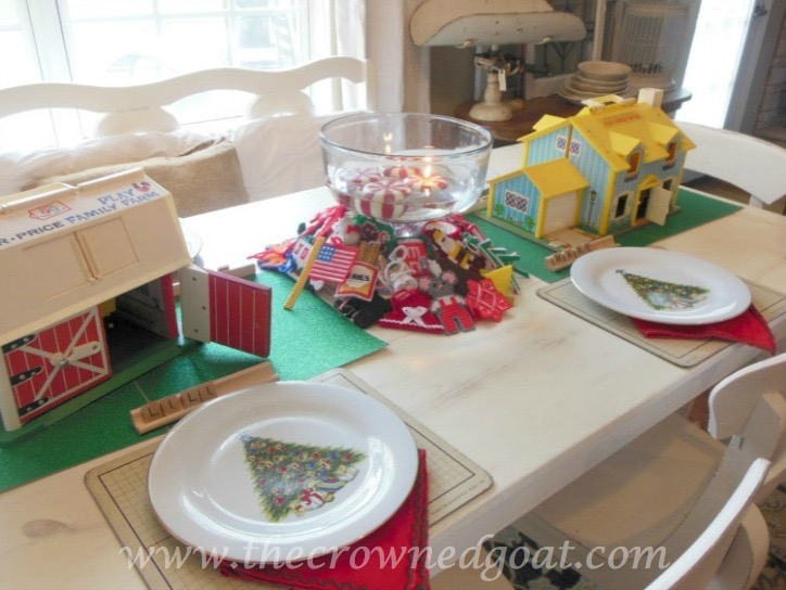 121515-12 Last Minute Holiday Tablescape Ideas Christmas Decorating Holidays