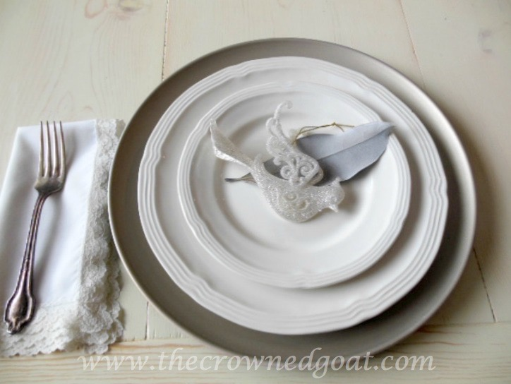121515-9 Last Minute Holiday Tablescape Ideas Christmas Decorating Holidays