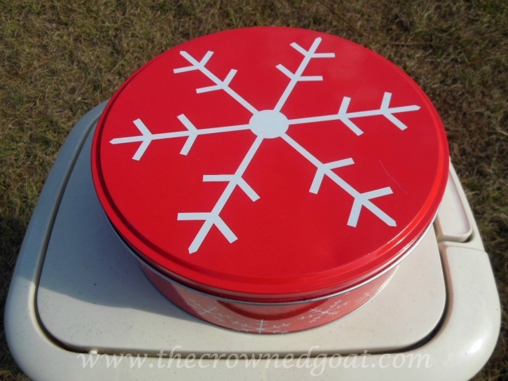 122315-1 How to Personalize a Cookie Tin Crafts DIY Holidays