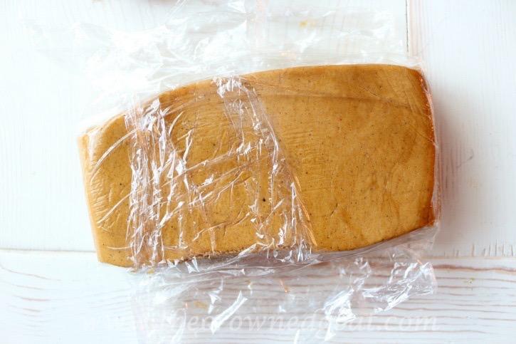 122415-5 Gingerbread Cookies Baking Christmas Holidays