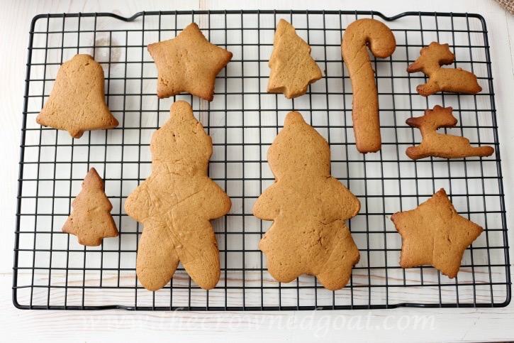 122415-8 Gingerbread Cookies Baking Christmas Holidays
