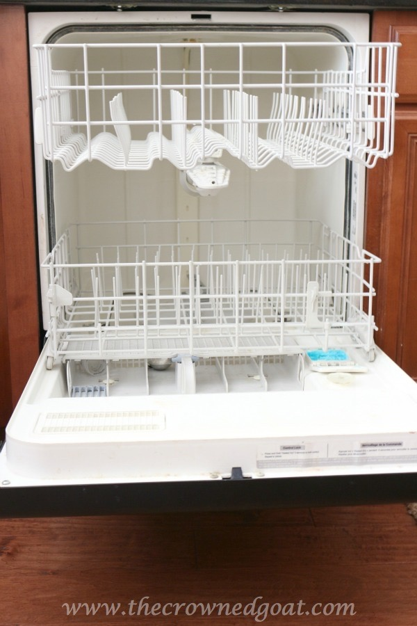 012716-1 7 Time Saving Kitchen Cleaning Tips Organization