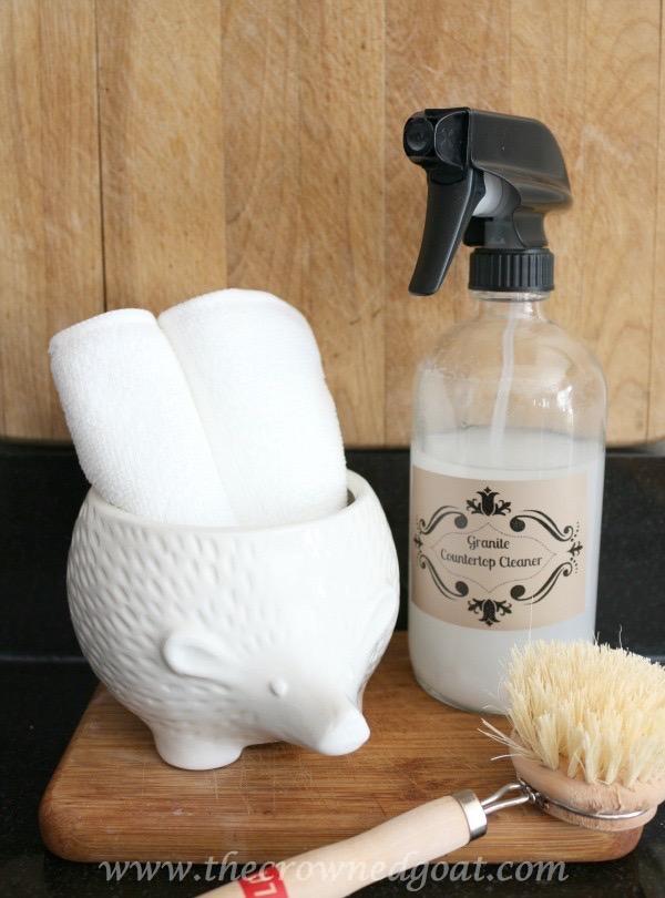 012716-3 7 Time Saving Kitchen Cleaning Tips Organization