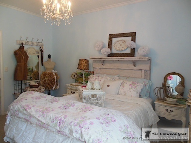 061016-3 Bedroom Decorating: Small Changes that Make a Big Impact  Decorating DIY