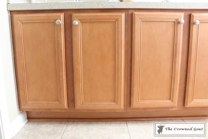 072216-2 Painting a Bathroom Cabinet with General Finishes Milk Paint DIY Painted Furniture