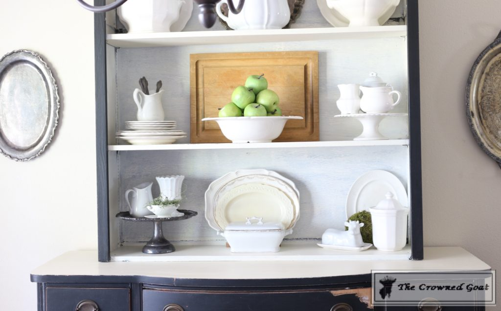 Tips for home d cor shopping on a budget the crowned goat for Unique home decor accessories