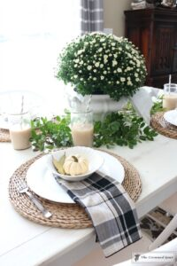 fall-decorating-in-the-breakfast-nook-4