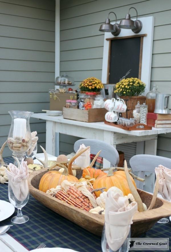Outdoor-Fall-Tablescape-11 Outdoor Fall Tablescape Decorating DIY Holidays