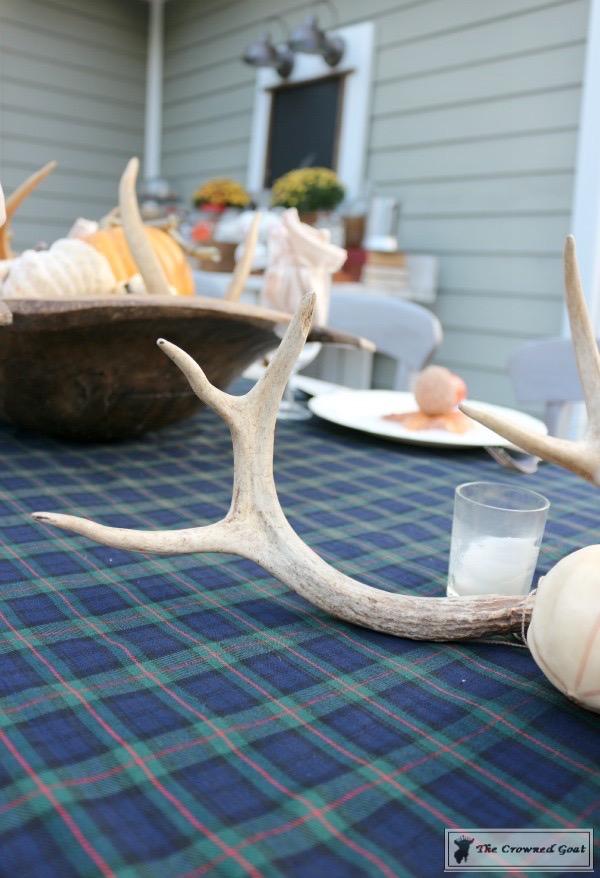 Outdoor-Fall-Tablescape-2 Outdoor Fall Tablescape Decorating DIY Holidays