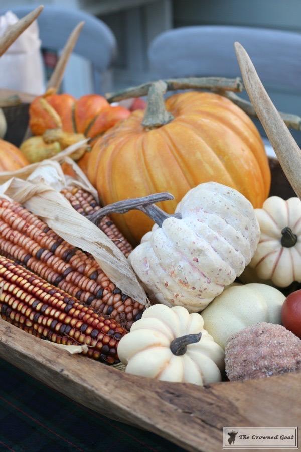 Outdoor-Fall-Tablescape-6 Outdoor Fall Tablescape Decorating DIY Holidays