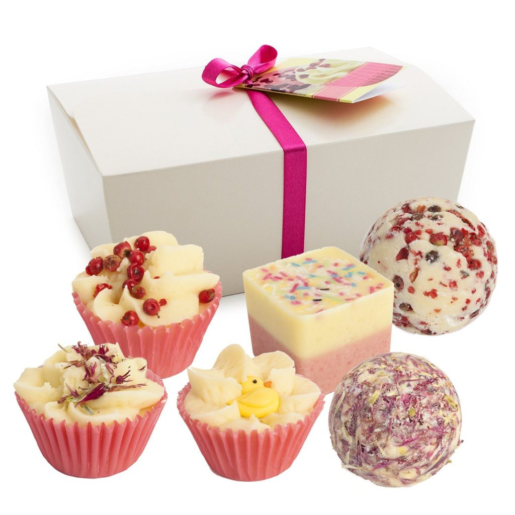 Bath-Bombs-17-1024x1024 Valentine Gift Ideas for The Busy Girl DIY Holidays