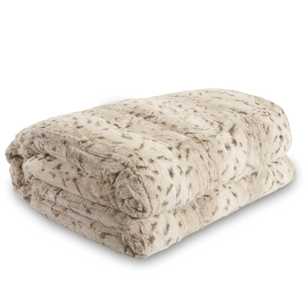 Faux-Fur-Throw-5-1024x1024 Valentine Gift Ideas for The Busy Girl DIY Holidays
