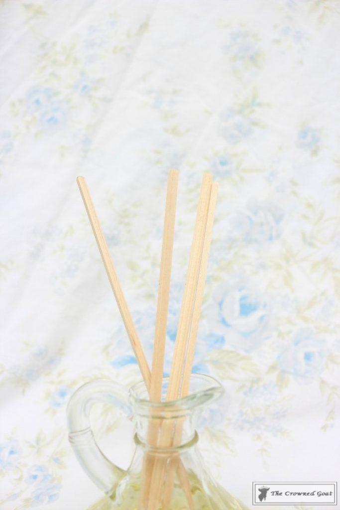 DIY-Lemongrass-Room-Diffuser-9-683x1024 How to Make a Lemongrass Room Diffuser Crafts DIY