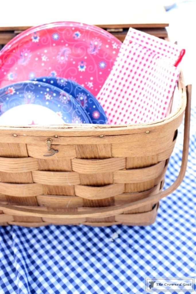 How-to-Create-a-Summer-Beach-Picnic-3-683x1024 Summer Picnic Essentials Decorating DIY Holidays