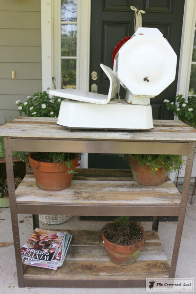 A-Simple-Way-to-Repurpose-Old-Fencing-The-Crowned-Goat-7-683x1024 Repurpose Old Fencing with This Easy Hack Decorating DIY Painted Furniture