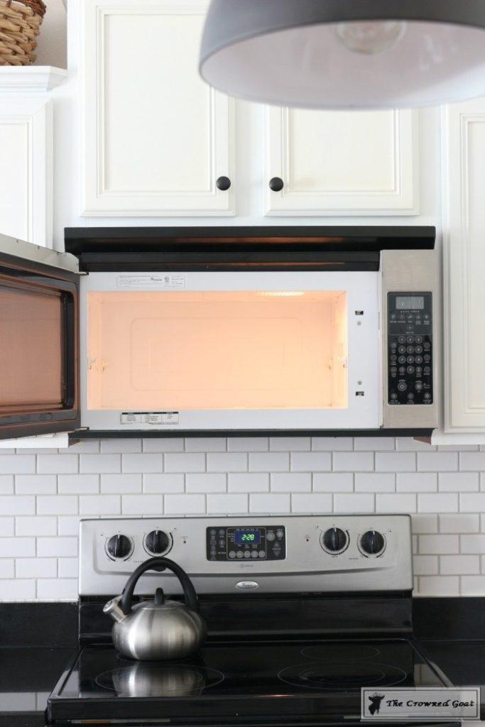 Using Vinegar To Clean Kitchen Countertop